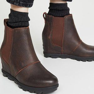 Sorel Joan of Arctic Wedge II Chelsea Boots Burro